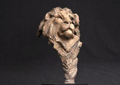 lion 3/4 face droit, contre plongée - bronze original