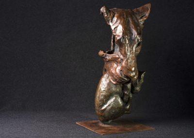 Tête de lionne portant son petit, 3/4 face droit - bronze original